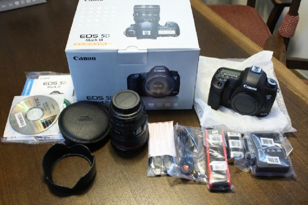 Canon for Canon EOS 5D ,Mark III in Box