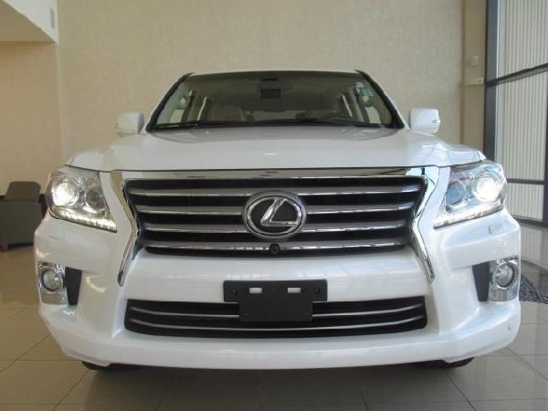 Neatly Used 2013 Lexus Lx 570 Car