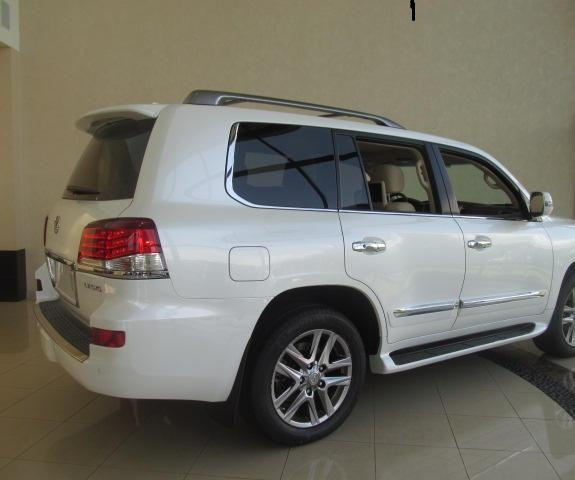 Neatly Used 2013 Lexus Lx 570 Car 2