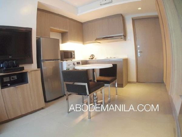 1 Bedroom Condo For Rent In The Serenity Suites (makati)  3